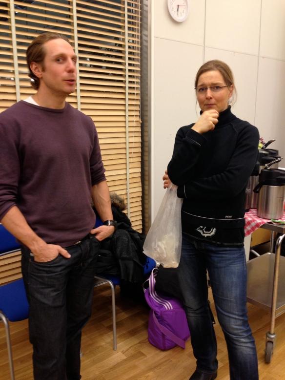 Rickard och Anna diskuterar