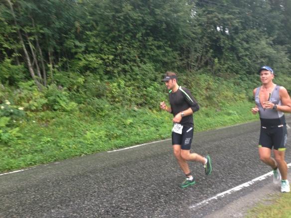 Då var Alex igång med löpningen. Lite regnigt i början