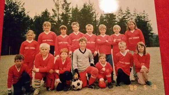 Hede Dream Team -89 Övre raden från vänster: Cecilia, Therese, Robert, Torgny, Pär, Johan, Oskar, Helena Nedre raden från vänster: Johan, Michael, Andreas, Andreas, Andre, Hans och jag!