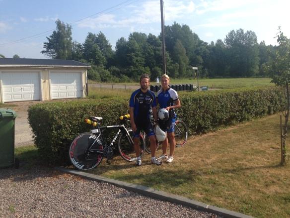 Tobbe och jag innan vi skulle dra iväg på cyklarna.