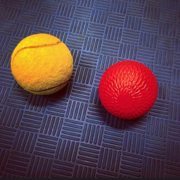 Onda men nödvändiga ting. Tänk vad dessa bollar kan hjälpa.