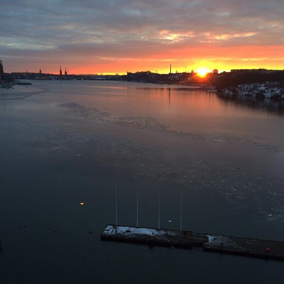 Löppass över Västerbron en tidig morgon.