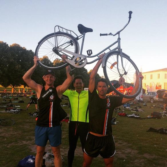 Kalle, Thomas och Daniel - sjukt sugna på min cykel!!!